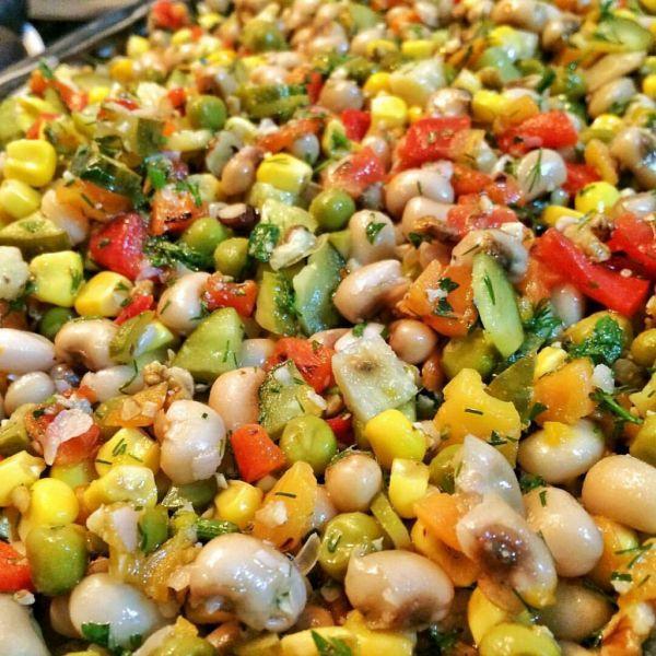 Rengarenk börülce salatasi 1