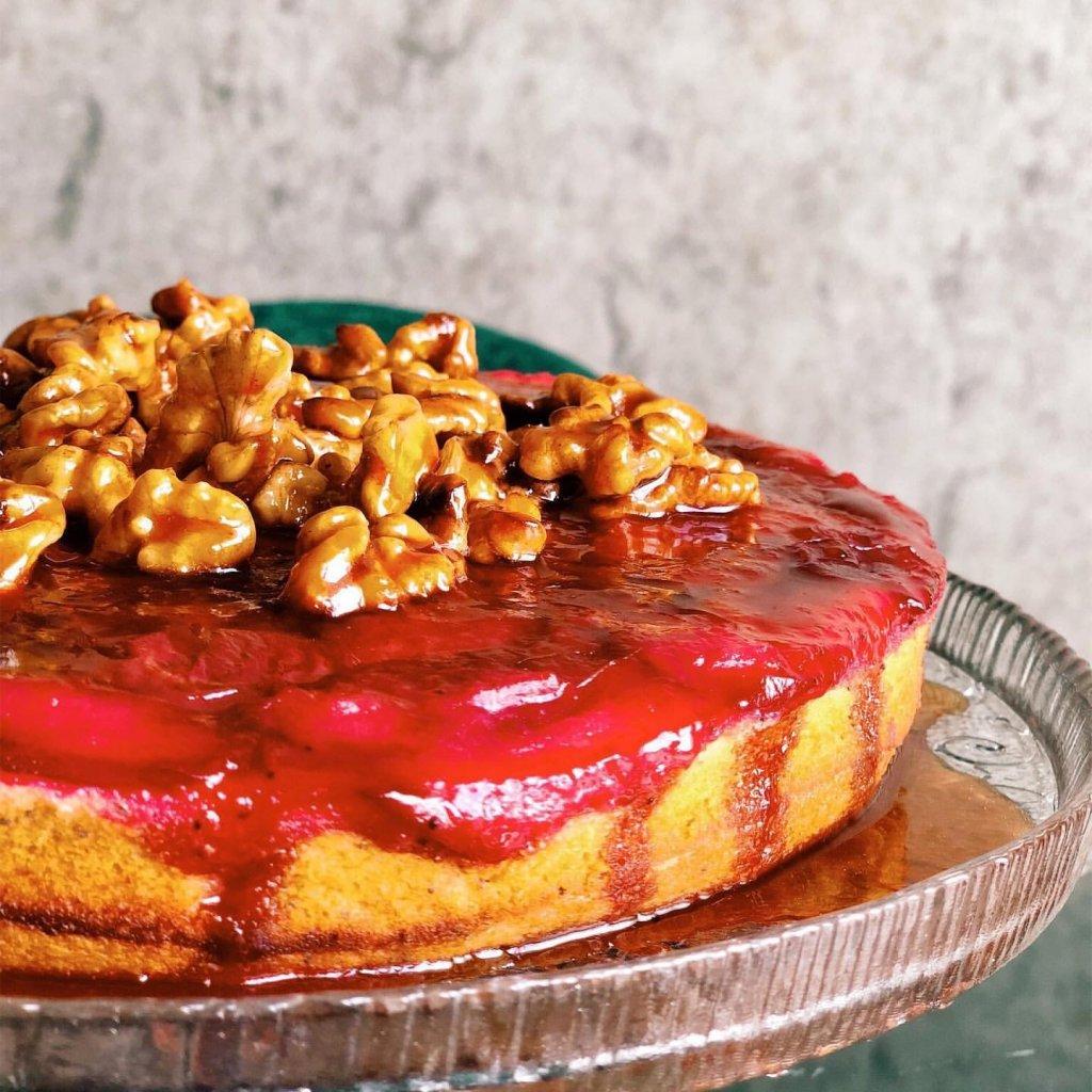 Karamelize cevizli erikli haşhaşlı kek