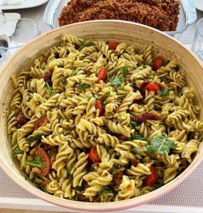 Pesto Soslu Makarna Salatası 11