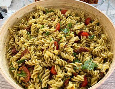 Pesto Soslu Makarna Salatası 6