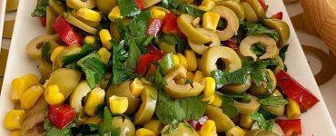 Köz Biberli Yesil Zeytin salatasi