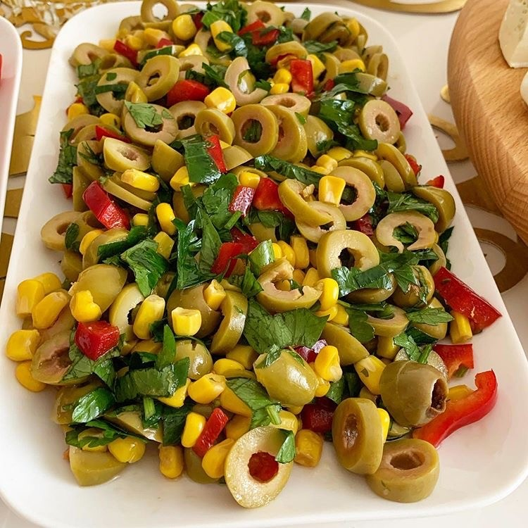 Köz Biberli Yesil Zeytin salatasi 1