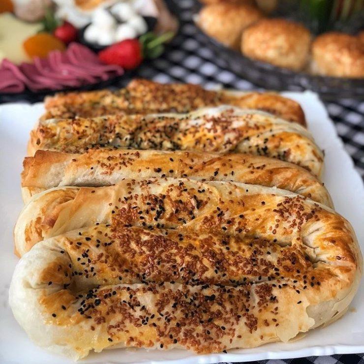 patlıcanlı kol böreği