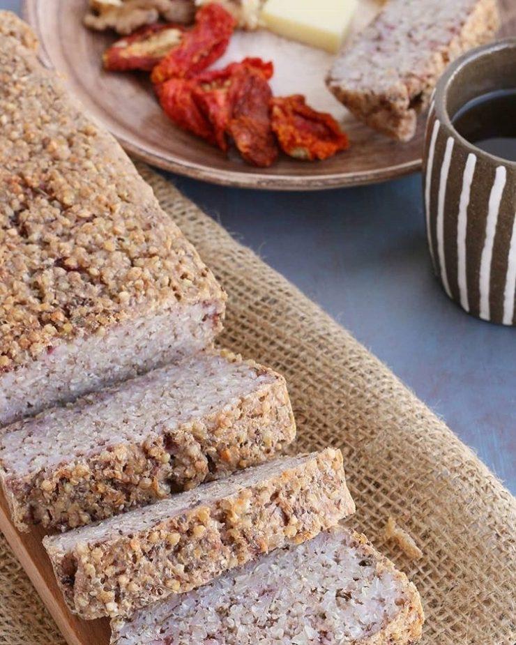 Glutensiz ve vegan beslenenler için saglikli bir ekmek tarifi