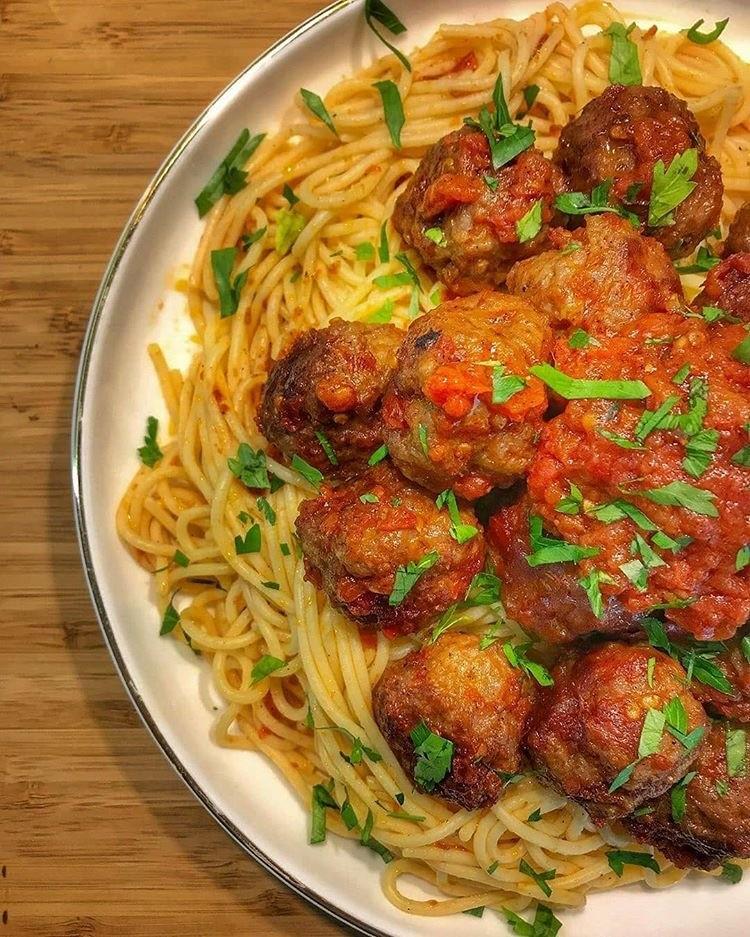 Domates Soslu Köfteli Spagetti