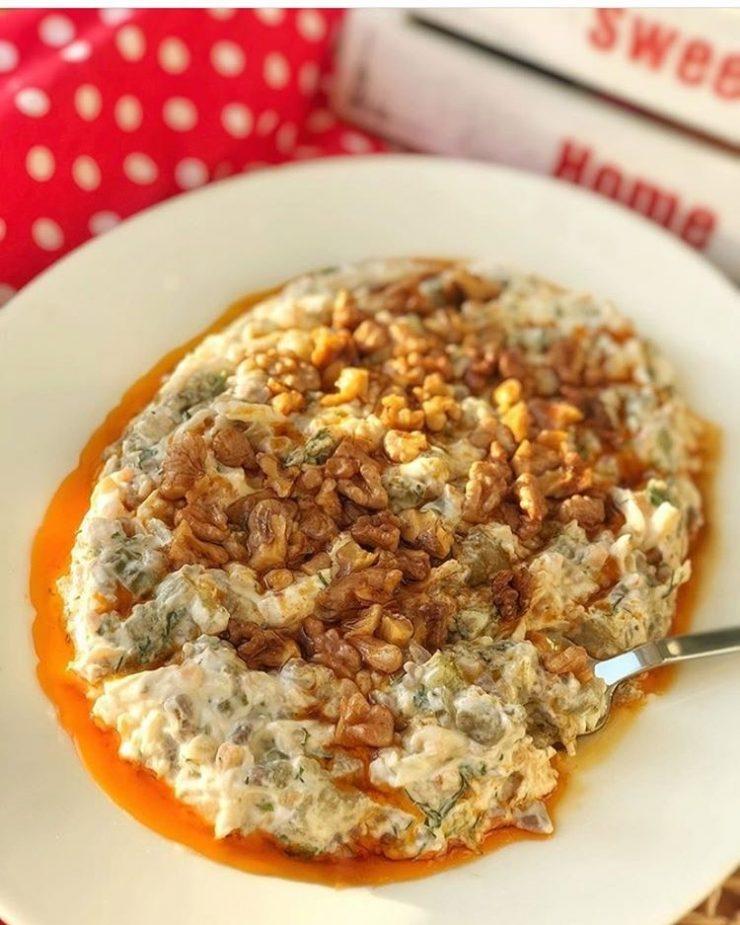 Tavuklu Köz Patlıcan Salatası