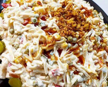yoğurtlu cevizli erişte salatası