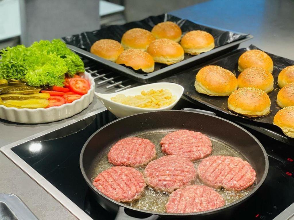 Cheeseburger Tarifi 4