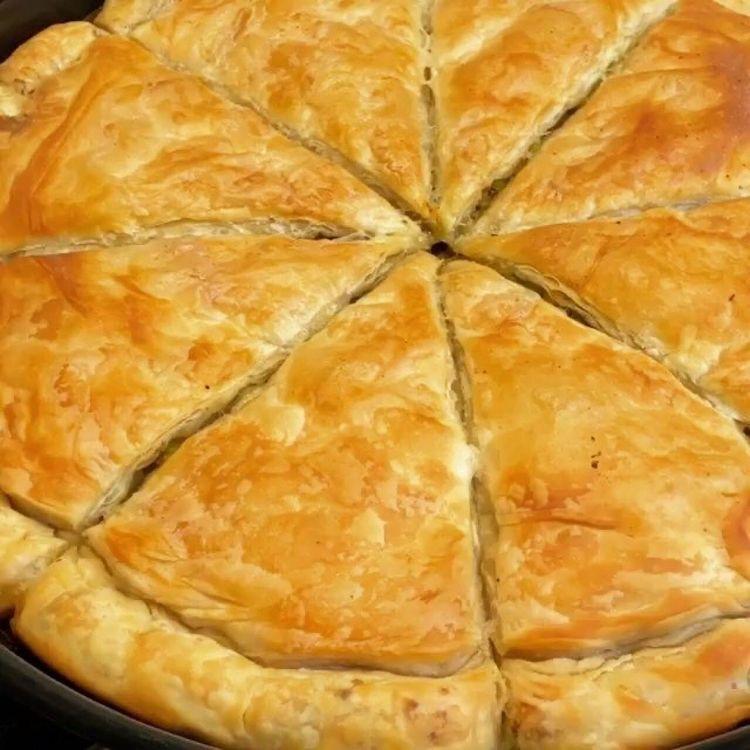 Pırasalı Kıymalı Arnavut Böreği